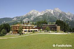 Forsthofalm – Wolkenkino und Zirbenduft